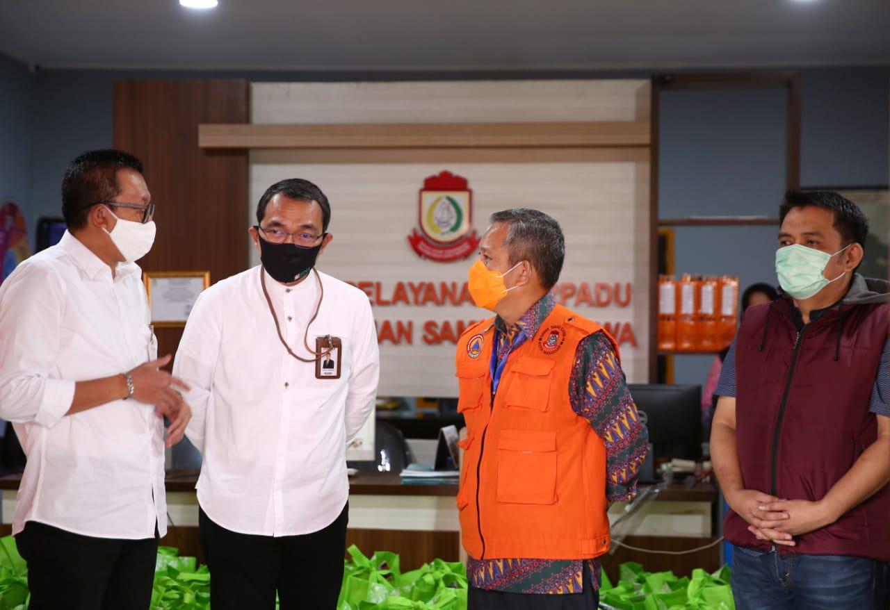 Kemensos Beri Paket Sembako Penyandang Disabilitas di Makassar